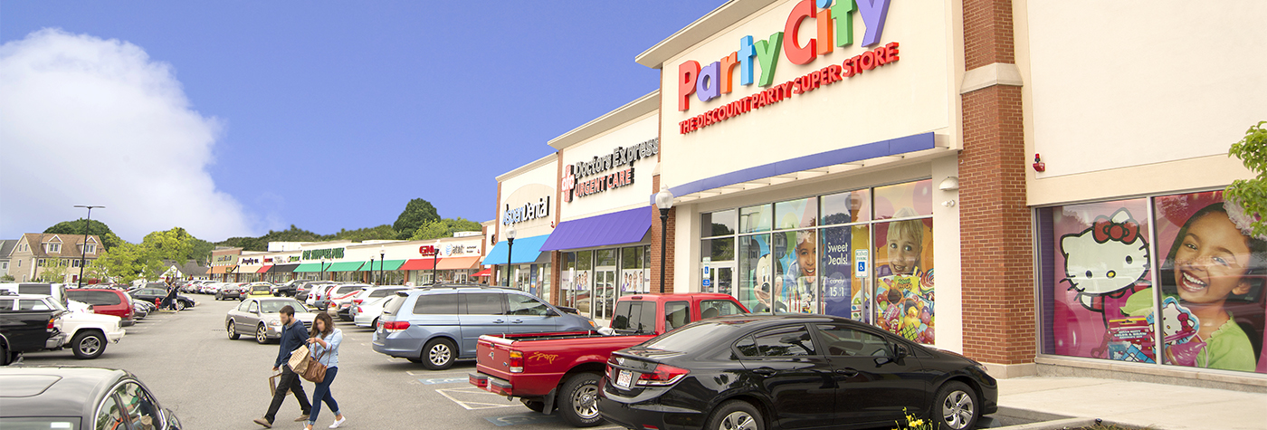 Party-City-Waltham-MA-shopping-center