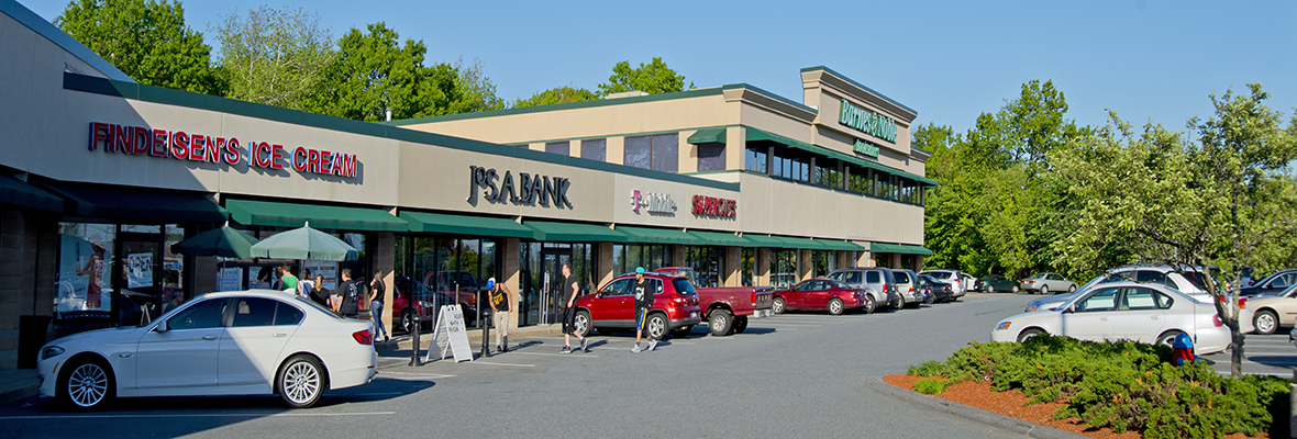 Salem-Park-Plaza-shopping-center
